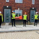 Sleuteloverdracht van 71 energiezuinige huurwoningen in Westergouwe
