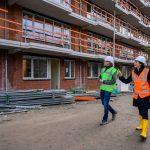 BAM Wonen levert eerste woningen Van Alkemadestraat in Delft op aan Vidomes
