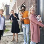 Eerste bewoners voor energiezuinige woningen Blaricumse Laantje van de Jong