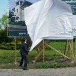 Wethouder Van Leenen onthult samen met ABB Bouwgroep en Trivestor het bouwbord van nieuwbouwplan Lievenshof in Oud-Beijerland